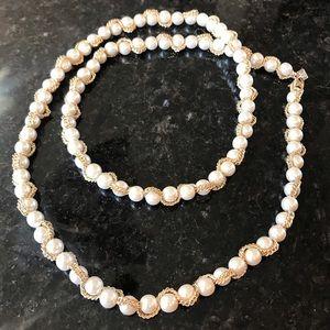 New Banana Republic Long Pearl Necklace, Gold